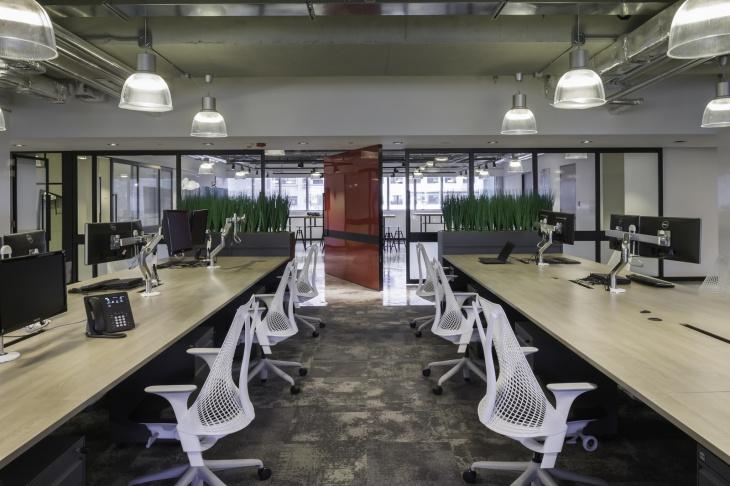 Chọn bàn làm việc văn phòng phù hợp